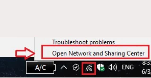"""Nhấn vào biểu tượng Internet trên thanh taskbar rồi bấm chọn dòng chữ """"NetWork and sharing center"""""""