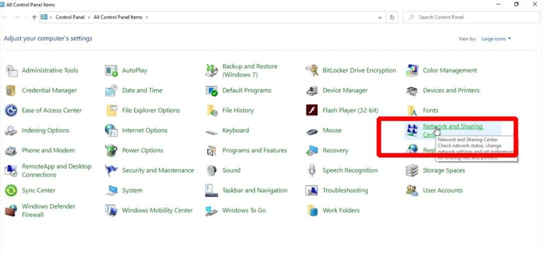 """Lựa chọn mục """"Open NetWork and sharing center"""" được bố trí trong thanh taskbar"""