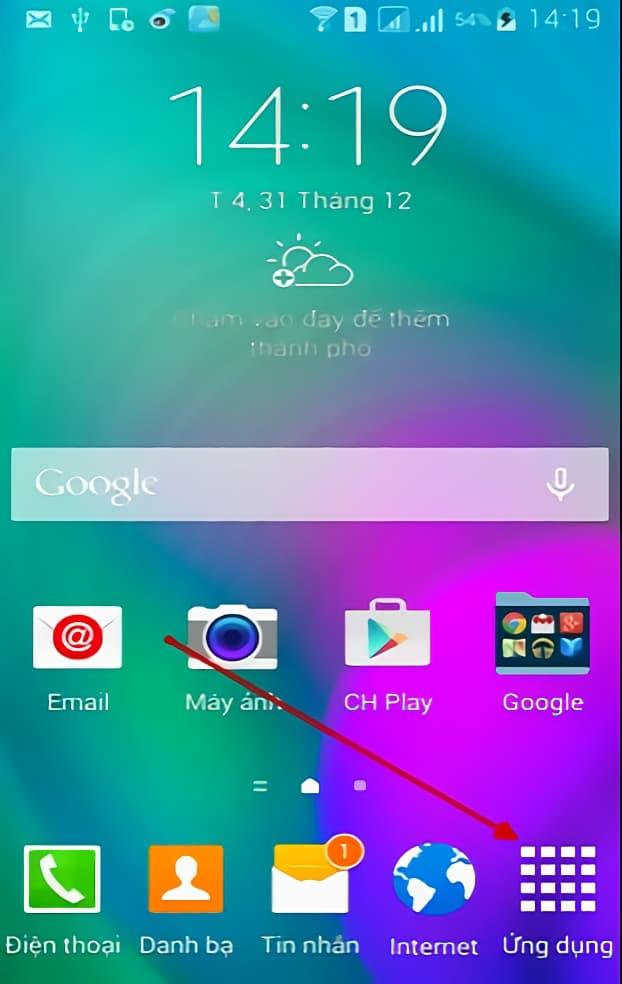 Bấm chọn vào mục ỨNG DỤNG trên màn hình điện thoại có hệ điều hành Android